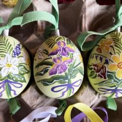 Eggshell Ornament Spring Flowers