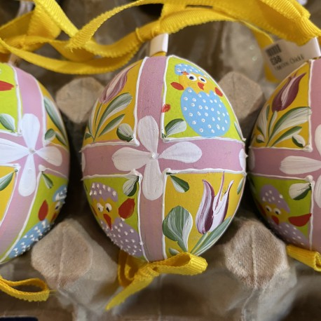 Eggshell Ornament Chicks & Tulips by Peter Priess